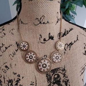 Fashion medallion necklace